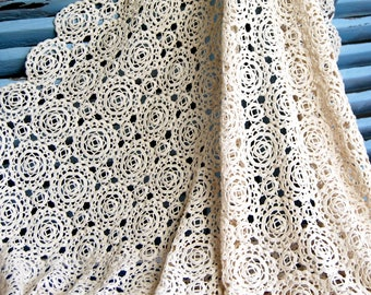Large Hand made Vintage French Crochet Bedcover Throw 260 x 265 cms 8ft 6 x 8ft 8 ins