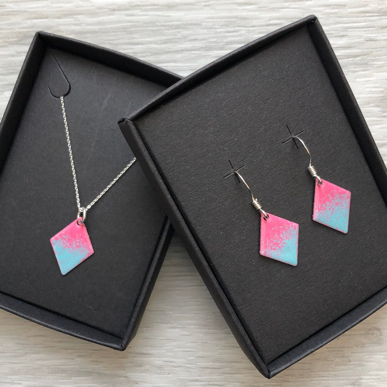 Sterling Silver. Diamond Enamelled Necklace /& Earring Set Pink and Turquoise
