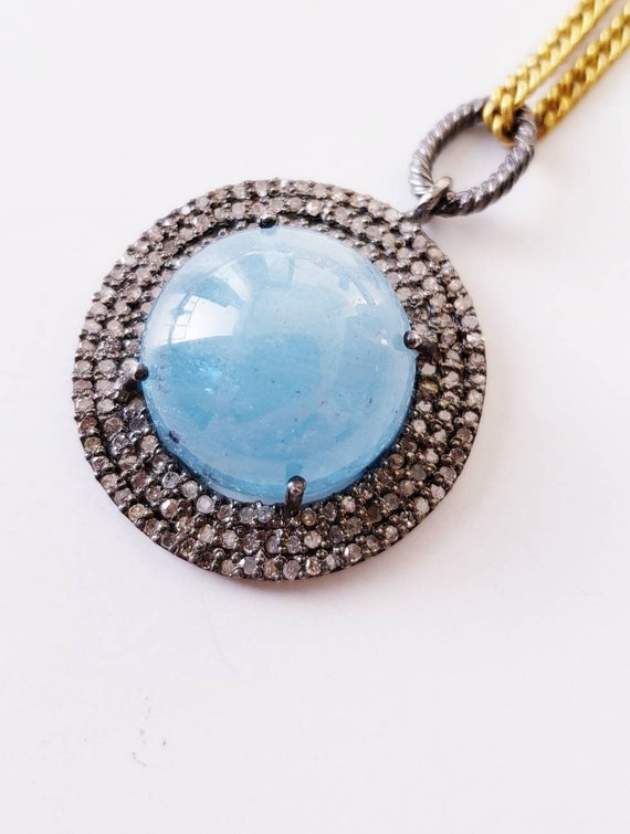 Aquamarine pendant with diamond halo  | diamond pe