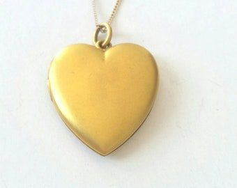 Antique Victorian heart locket | no initials