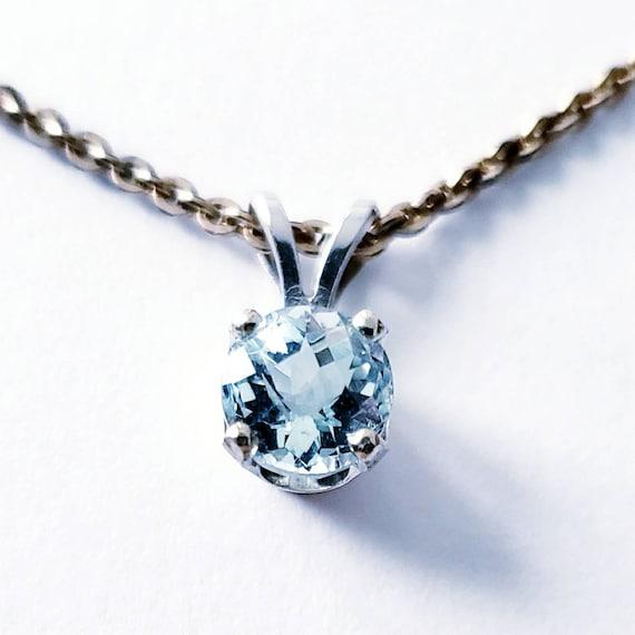 Aquamarine solitaire pendant | Aquamarine pendant