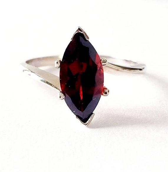 14k  Garnet marquise ring | 14k garnet ring | garn