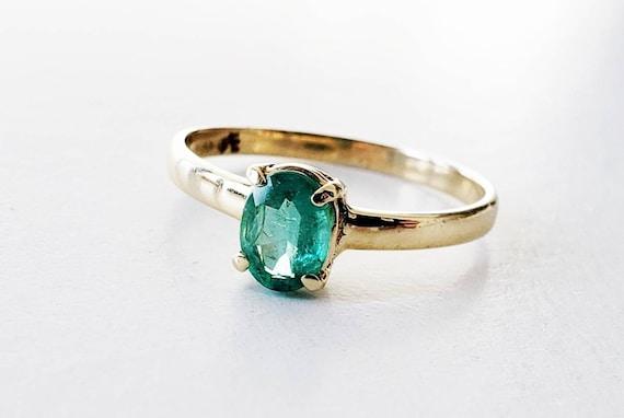 Emerald ring | emerald wedding ring | oval emerald