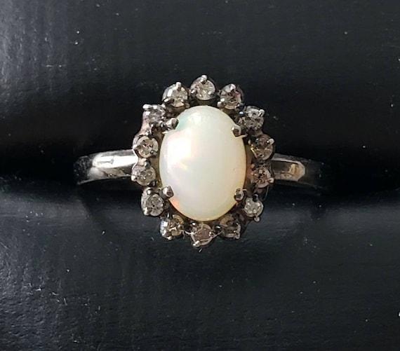Opal ring | diamond halo ring | opal | cabochon op