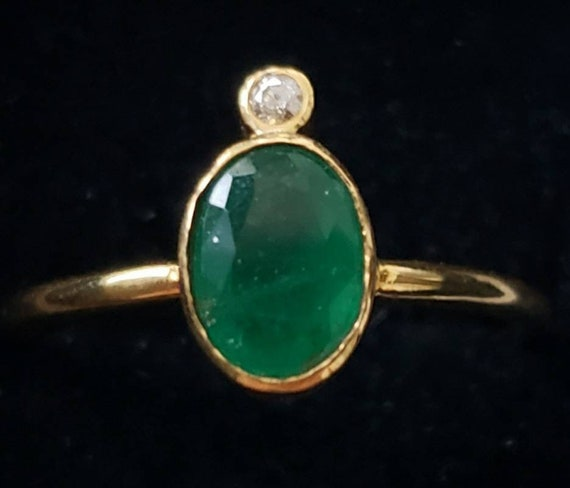 18k emerald ring | 18k diamond ring | bezel set em