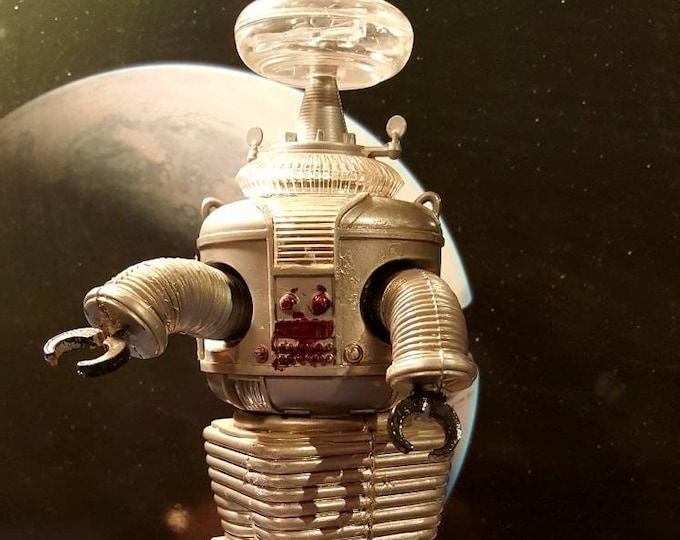 Vintage, Lost In Space Robot Model Kit By Aurora, 1968.  Robot Toy, Science Fiction Space Robot, Rare Original Cable TV Character Model Kit