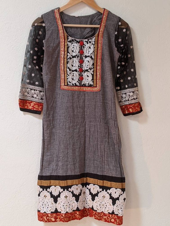 Vintage Tunic w/ Sheer Sleeves Daisies and Indian