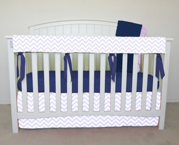 4 pièces bumperless Berceau Set - chevron violet clair literie pour berceau, chevron de zig zag, lavande, glycines chevron, violet de zig zag