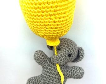 Crochet elephant  with balloon, elephant plush, elephant stuffed animal, elephant baby shower, elephant nursery decor