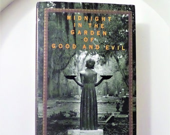 midnight in the garden of good and evil a savannah story by john berendt non fiction book of suspense - Midnight In The Garden Of Good And Evil Book