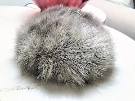 Vintage Silver Gray Pill Box Fox Fur Hat 1960's G… - image 1