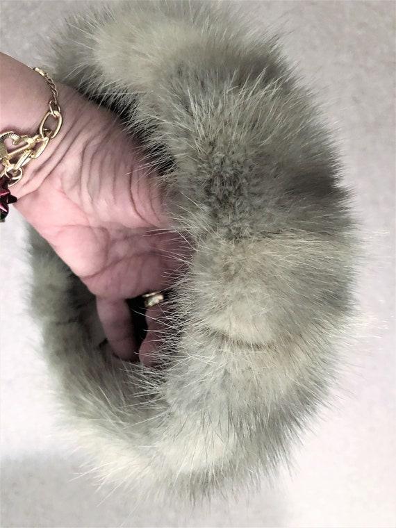 Vintage Silver Gray Pill Box Fox Fur Hat 1960's G… - image 6