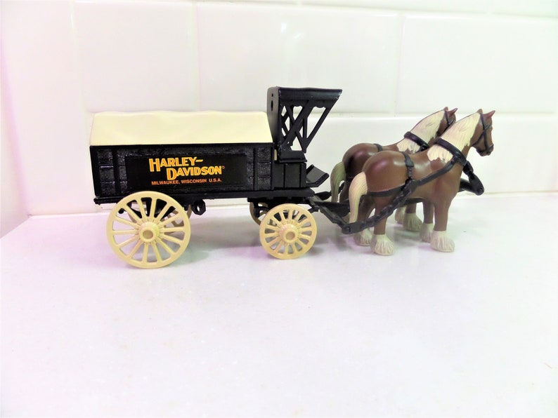Harley Davidson Ertl Bank Die Cast Metal Horse and Delivery Wagon with  Original Box 1991 Collectible