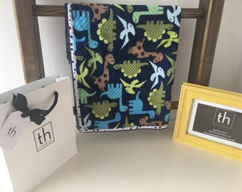 Zoologie Dino Midnight - Plush Trendy Comfort Blanket