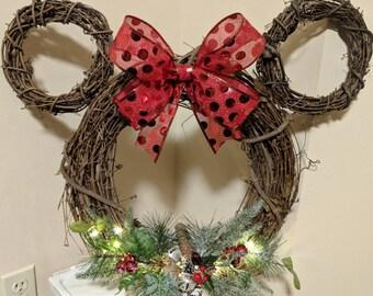 christmas mickey mouse wreath - Mickey Mouse Christmas Wreath
