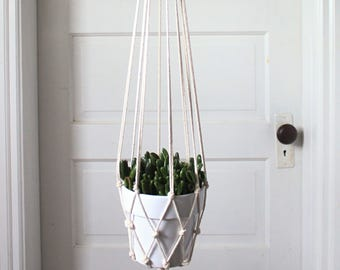 Modern minimalist plant hanger // macrame plant hangers