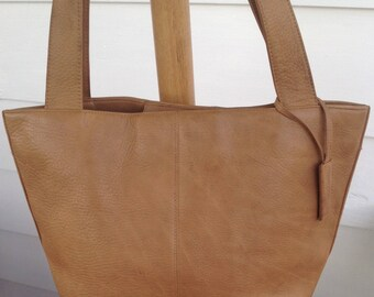 Vintage Stone Mountain British Tan Camel Leather Tote Handbag