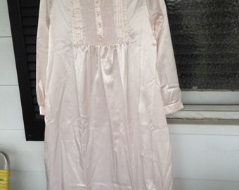 069c3edf32 Vintage Barbizon Pink sateen long sleeve full length night gown small