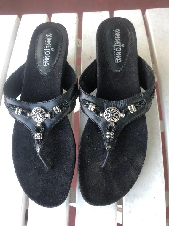 752a71a107146 Minnetonka Black Leather Kitten Heel Slide Sandals
