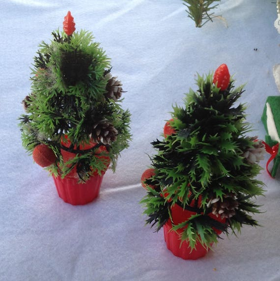 Potted Christmas Tree.Vintage Plastic Potted Christmas Tree With Red Flocked Ornaments