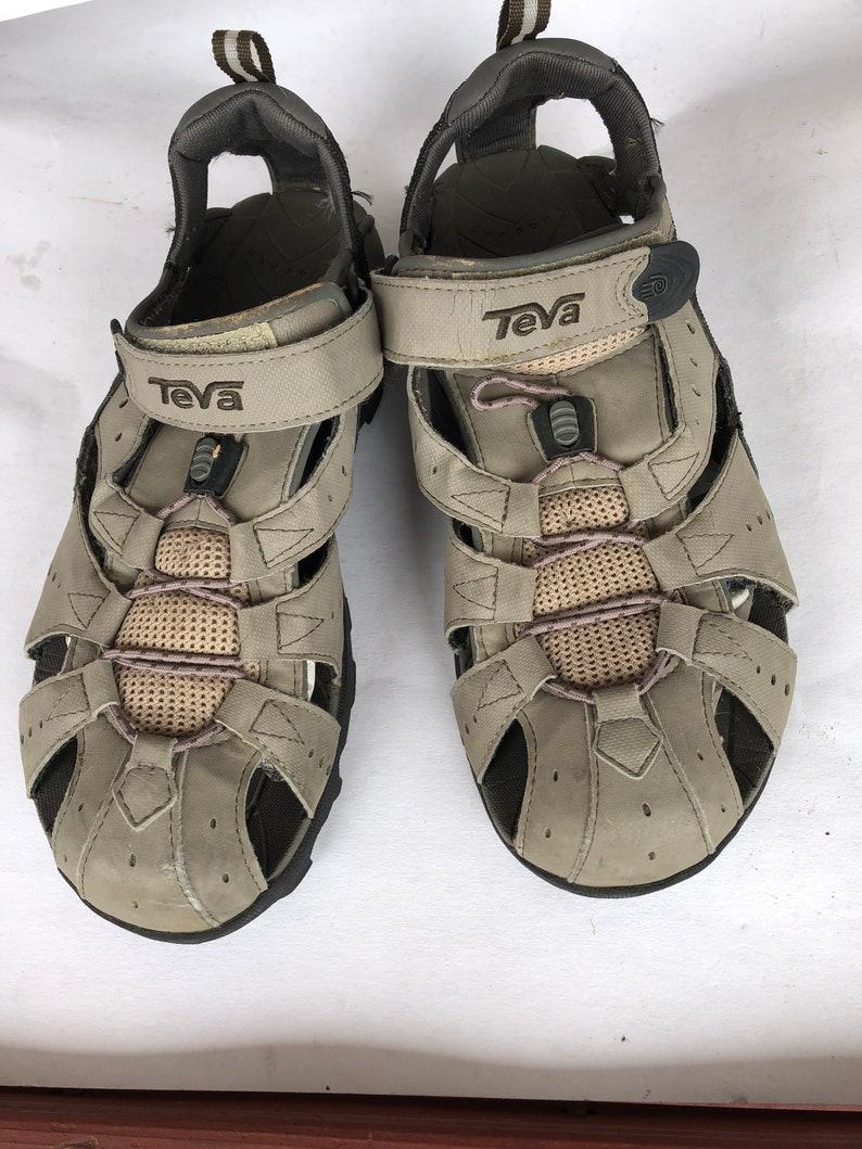 REDUCED Teva Vintage Men/'s Adjustable Sport Hiking Sandals 9