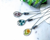 Pressed Flower Essential Oil Necklace - Flower Pendant Diffuser Necklace - Flower Aromatherapy Necklace for Women - Lava Stone Diffuser