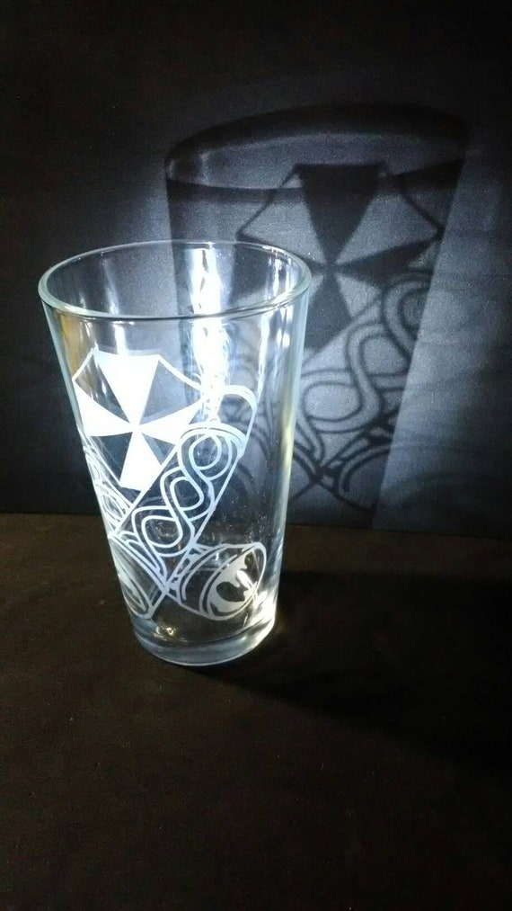 Umbrella T-virus pub glass resident evil