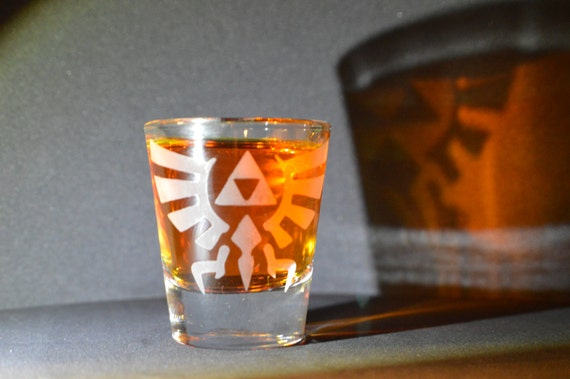 Zelda Hyrule crest LoZ Etched shot glass Fan Art