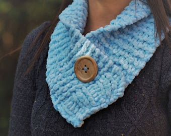 Pale blue chunky knit scarf Blue knit scarf Blue knit scarves Blue scarves Blue scarf Blue neckwarmer Blue collar Blue knit collar 624