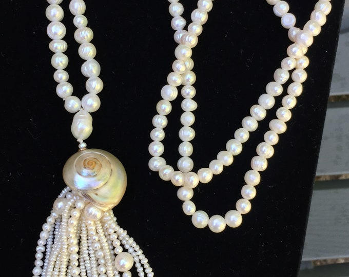 Featured listing image: Women's Fresh Water Pearl Necklace