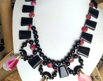 Semi Precious Stone Beaded Necklace Choker Style with Peachblow Onyx Pendants