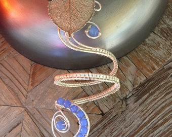 Silver Wire Woven Armband with Blue Agate Beads