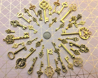 Gothic Mixed Colors Steampunk Skeleton Keys Charms Jewelry Gothic Wedding Beads Supplies Pendant Collection Replica Vintage Antique Craft