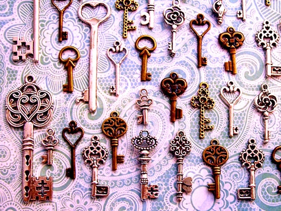 Reproduction Keys of Sunlight Gothic Steampunk Skeleton Charms Jewelry Gothic Wedding Beads Windchimes Set Collection Vintage Antique Craft