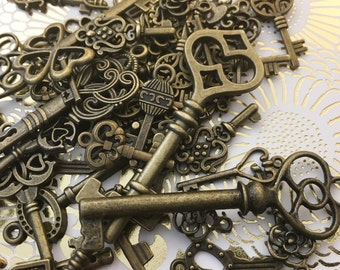 Old Steampunk Skeleton Keys Brass Charms Jewelry Gothic Wedding Beads Supplies Pendant Set Collection Reproduction Vintage Antique Crafy