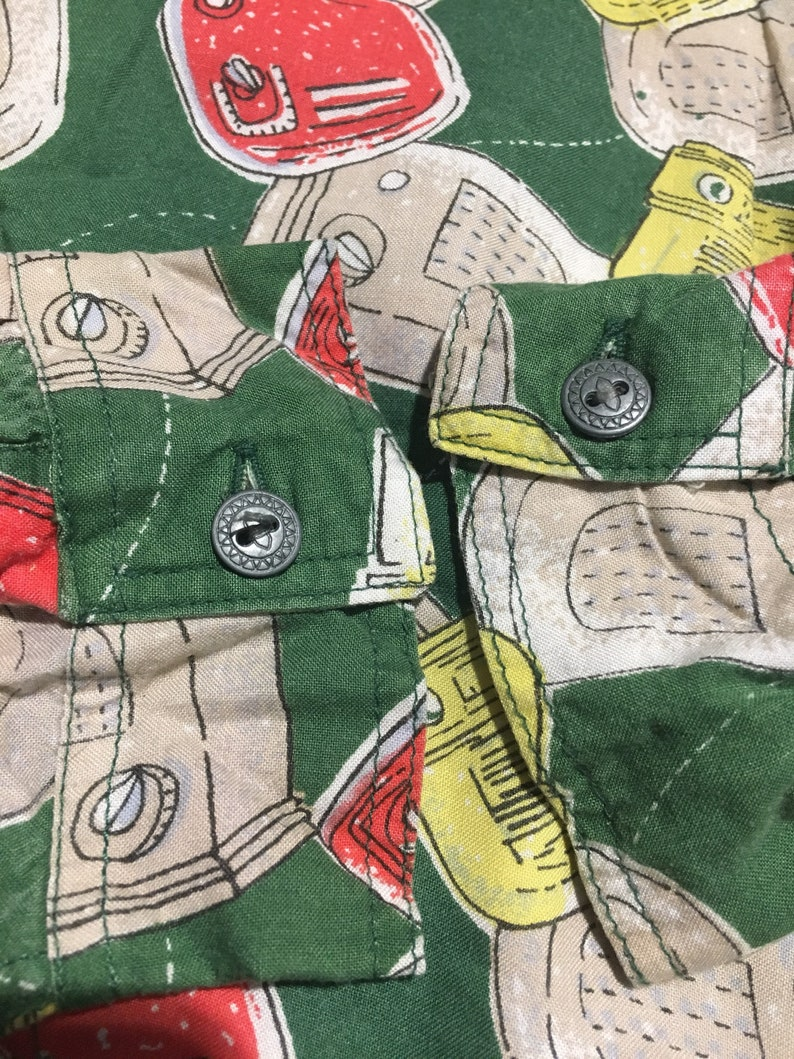 0bdd495d3ed040 Vintage 80 s button down Rayon shirt TUBE RADIO all-over