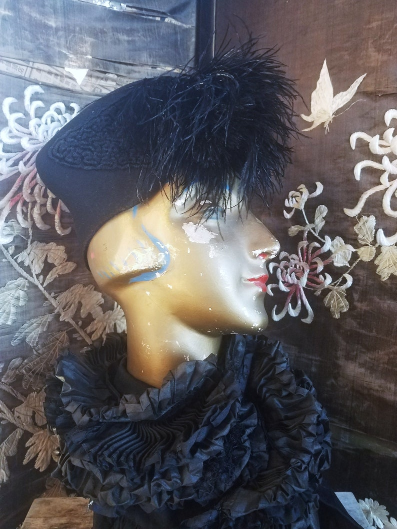 Vintage 1940 s Black Wool Hat with Ostrich Feathers  662e5e8ece2f