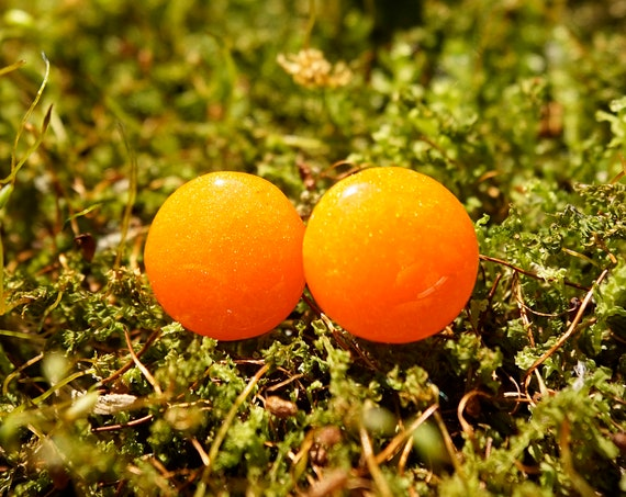 Atomic Orange Sparkle Resin Stud Earrings - Round - 12mm