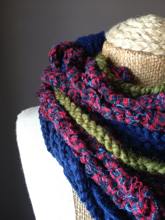 Navy Blue / Olive Green Infinity Crochet Chain Rope Scarf With Red Plaid Flannel Yarn