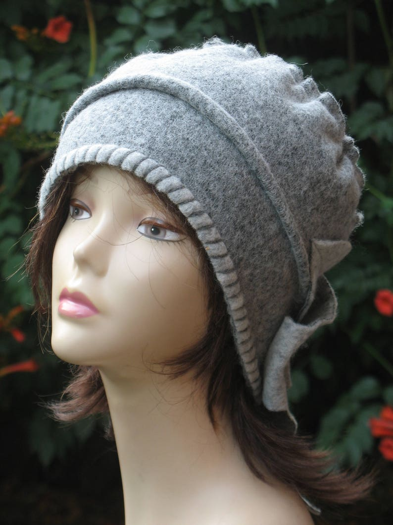 32766460 Cloche hat chunky womens Gray ladies winter beanies handmade | Etsy