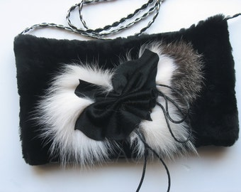 Black fur muffs|Gifts|for her|Bridal accessories|Womens gifts|Women real fur hand muff|fur hand warmer muffs|Black muff bridal accessory|