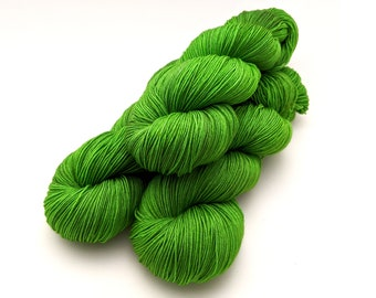 Hand dyed sock yarn, fingering weight yarn, 100% superwash Merino wool - 'Always Greener' kettle dyed yarn, 4-ply Fortuna