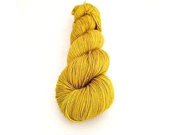 Hand dyed sock yarn, fingering weight yarn, 100% superwash Merino wool - 'Gild' kettle dyed yarn, 4-ply Fortuna