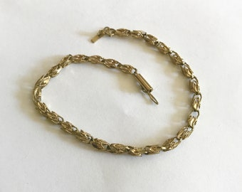 Yellow gold bracelet .417 10k interwoven chain link slide lock with safety snap mid century jewelry