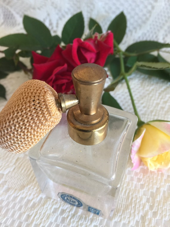 I W Rice Perfume Bottle with Pump