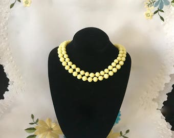 Vintage fashion jewelry yellow beaded necklace 1940's double strand choker jewelry glass