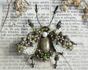 Green brooch, Beetle brooch, Insect jewelry, Bug pin, Embroidered jewelry, Beetle pin, Insect brooch, Insect art, Bead work, Gift for her