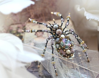 Spider brooch, Spider jewelry, Spider art, Spider pin, Bead work, Statement jewelry, Insect jewelry, Lavender, Peppermint