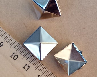 50pcs 15X15mm Silver  rivet stud,metal pyramid rivet stud, Square Rivet  PY15B