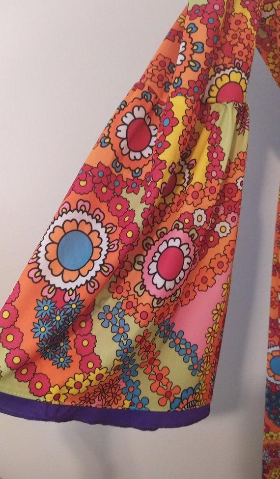 1970s Psychedelic Paisley Print Maxi Dress - image 6
